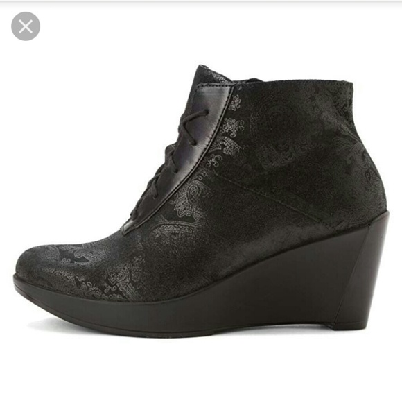 Naot Shoes   Womans Nadine Lace Up Wedge Booties   Poshmark aa389819244